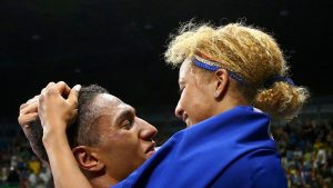 les-boxeurs-tony-yoka-et-estelle-mossely-champions-olympiques-a-rio-le-21-aout-2016_5655951 (1)